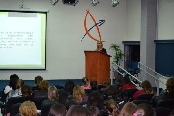 Seminário de Gestão Pedagógica continua na Guairacá