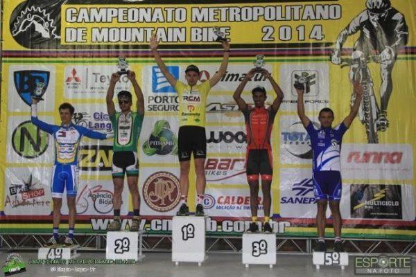 Em etapa do Campeonato Metropolitano, Marcos Cruz fica em quinto