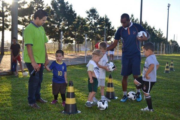 Escola de Futebol/Futsal Guairacá abre nova turma