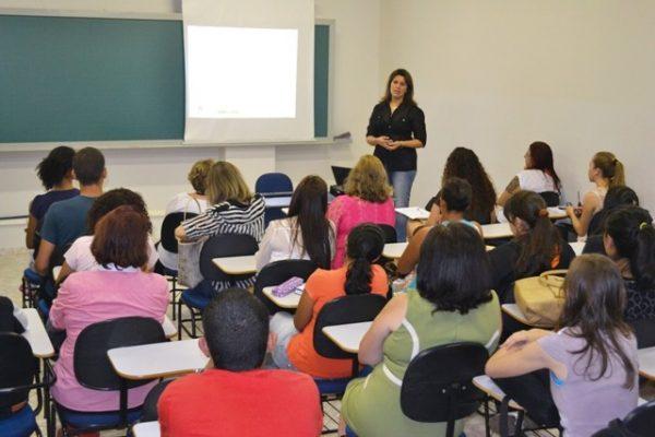 Reunião abre oficialmente atividades do Pibid na Guairacá