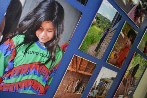 Exposição na Faculdade Guairacá mostra história do povo Guarani