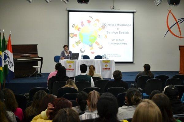 Jornada de Serviço Social fortalece o debate sobre a garantia de direitos humanos