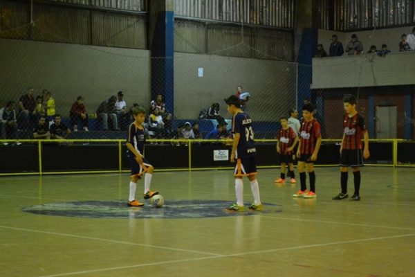 Escola de Futebol/Futsal Guairacá enfrenta semifinal do Guarapuavano