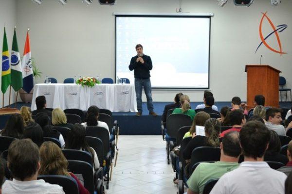 Prefeito de Guarapuava faz abertura da I Semana Integrada na Guairacá