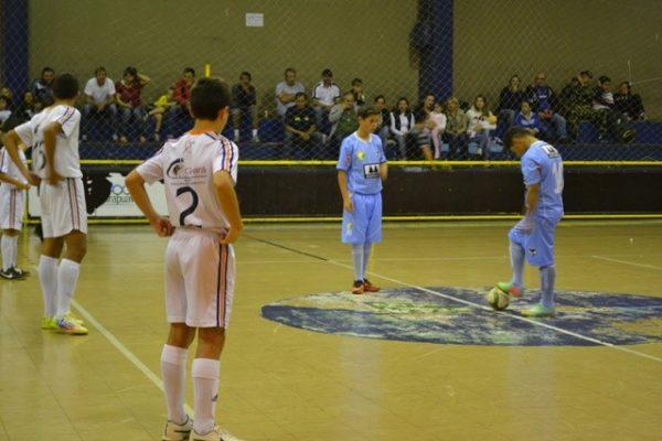 Escola de Futebol Guairacá enfrenta semana de estreias pelo Abertão 2014