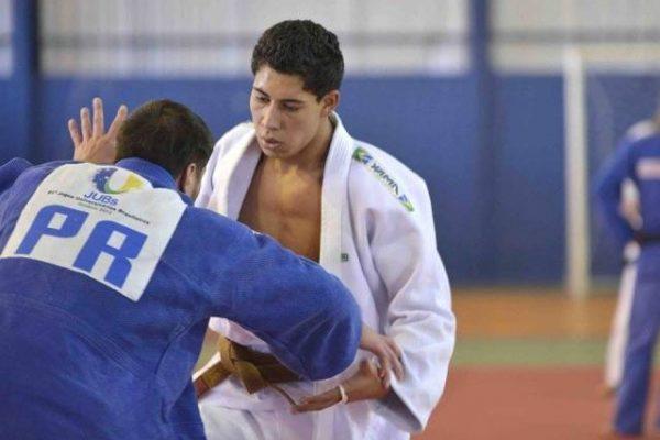 Atletas representam o judô guarapuavano nos Jogos Abertos