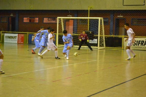Escola de Futebol/Futsal Guairacá enfrenta final de semana intenso de jogos