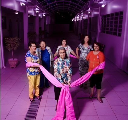 Clínicas Integradas Guairacá lança revista comemorativa do Outubro Rosa