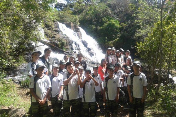 Projeto de educação ambiental leva alunos ao Salto São Francisco