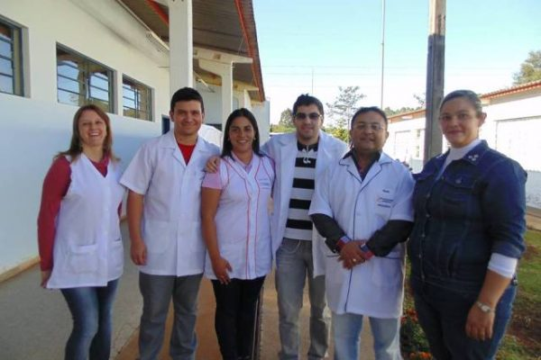 Acadêmicos de Matemática realizam oficinas em escola no Goioxim