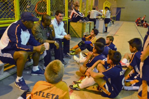 Escola de Futebol/Futsal Guairacá chega à semifinal do Guarapuavano