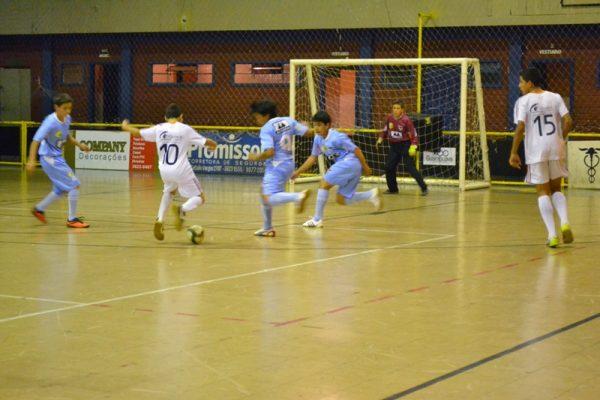 Escola de Futebol/Futsal Guairacá conquista importantes vitórias no Guarapuavano