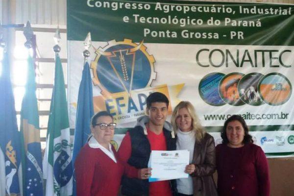 Egresso da Guairacá recebe prêmio durante congresso científico
