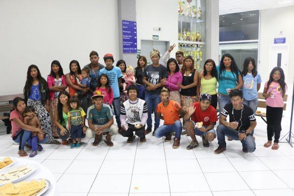Faculdade Guairacá recebe visita de tribo indígena