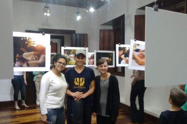 """Acadêmicos da Faculdade Guairacá participam da abertura da exposição """"Marias – eu sinto muito"""""""