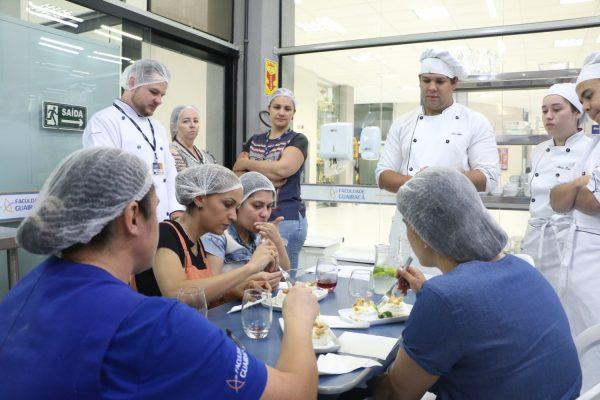 Acadêmicos de Gastronomia da Guairacá apresentam Projeto Integrador