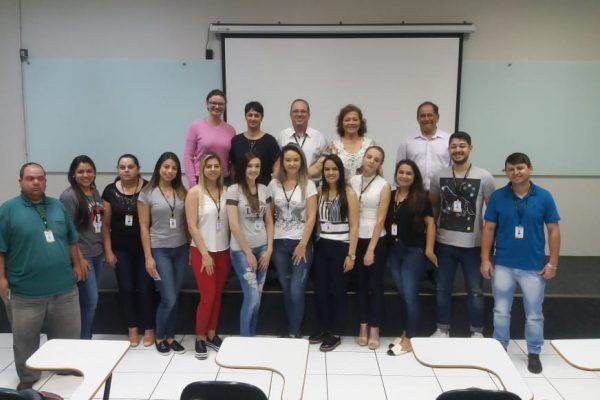 Conselho Regional de Farmácia entrega carteiras profissionais aos graduados na Guairacá
