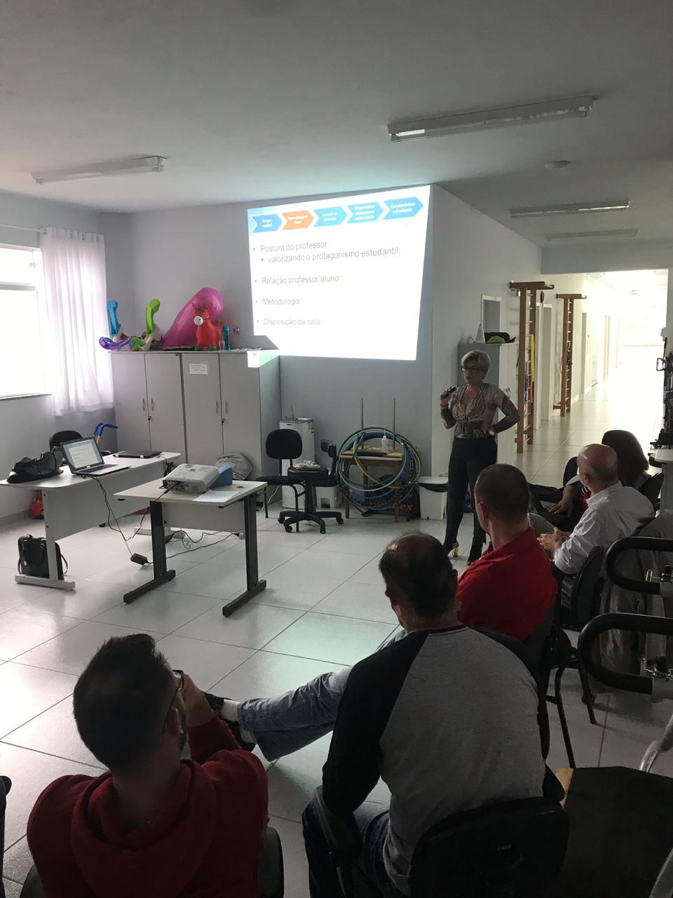 Docentes da Guairacá ministram capacitação sobre metodologias ativas de aprendizagem
