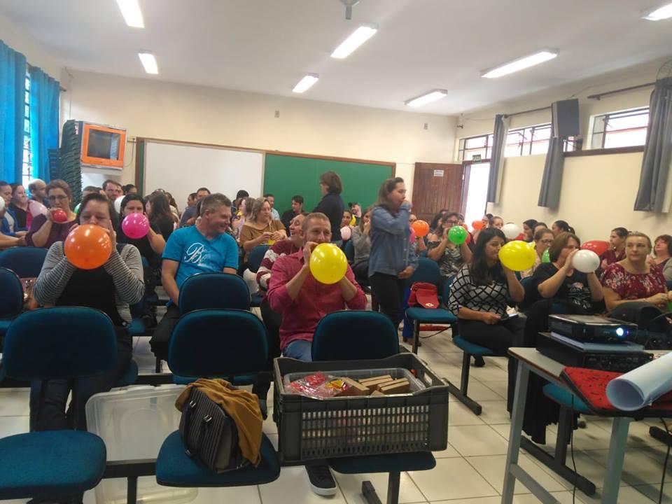 Professora da Faculdade Guairacá ministra palestra em Inácio Martins