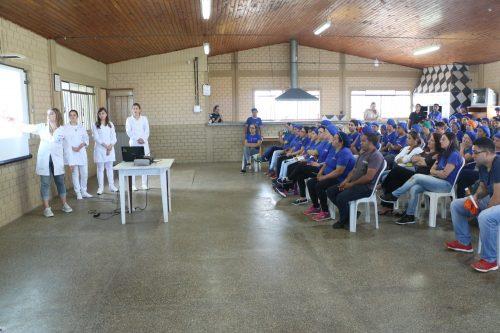 Faculdade Guairacá realiza atividades voltadas à saúde do trabalhador na Polijuta