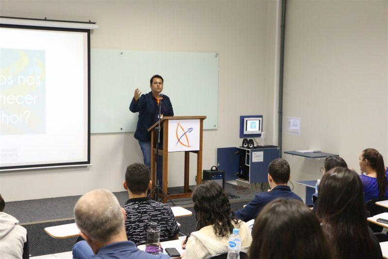 Faculdade Guairacá promove curso de oratória