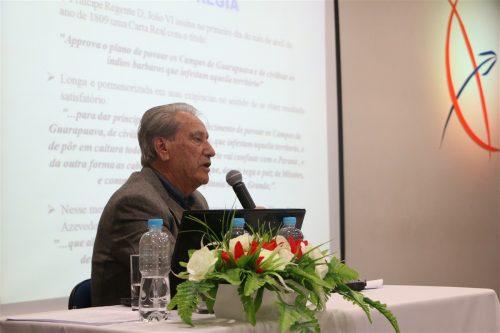 Fundador da Casa Benjamin Teixeira ministra palestra na Faculdade Guairacá