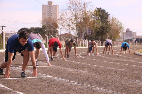 Festival de Atletismo da Faculdade Guairacá movimenta a pista municipal