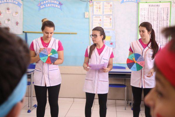 Faculdade Guairacá realiza gincana matemática na Escola Municipal São Pedro