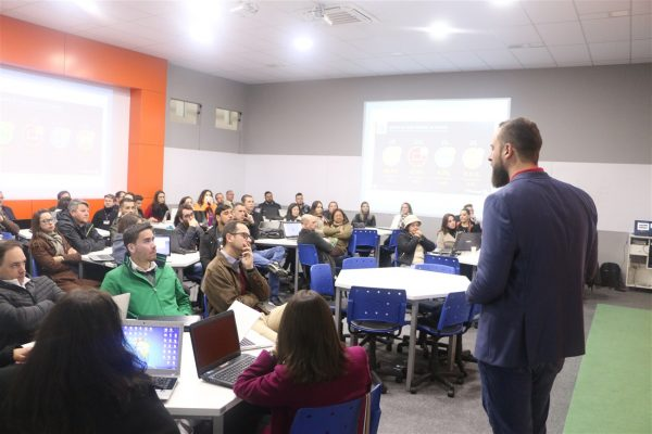Palestras sobre Liderança e Tecnologia na Educação marcam a Semana Pedagógica