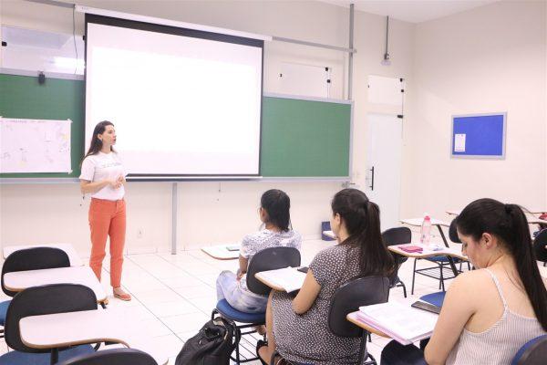Acadêmicos de Pedagogia da Guairacá auxiliam na seleção de trabalhos para o Televisando