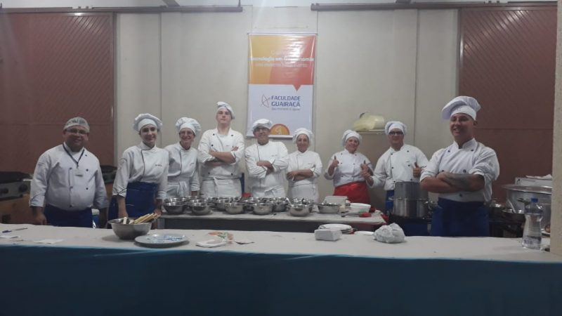 Gastronomia da Guairacá marca presença na Festa da Padroeira com o Massa Show