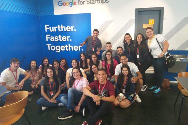 Acadêmicos de Administração da Guairacá fazem visita técnica ao Google e Bolsa de Valores