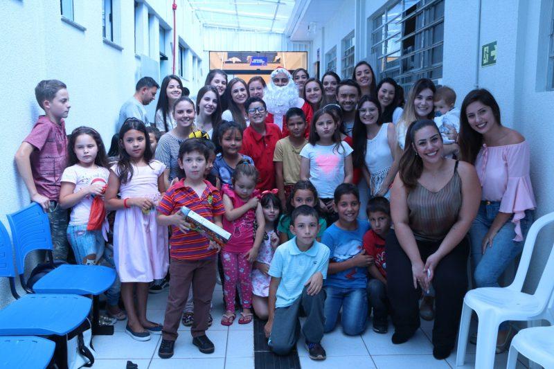 Confraternização encerra atendimento da odontopediatria nas Clínicas Integradas Guairacá