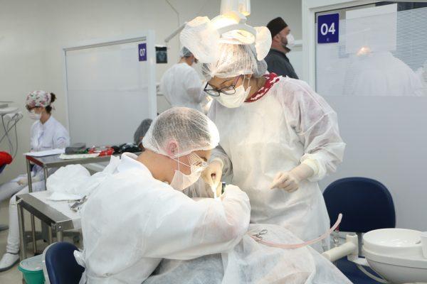 Odontologia da Guairacá promove ação de prevenção ao câncer bucal