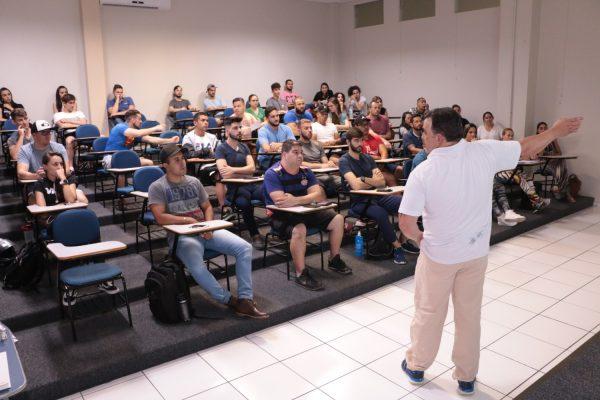'Condições fisiológicas em atletas de fisiculturismo' é tema de palestra na Guairacá