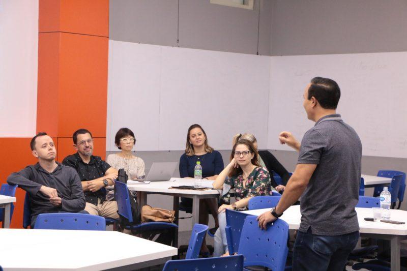 Alunos do Mestrado em Promoção da Saúde da Guairacá recebem palestrantes