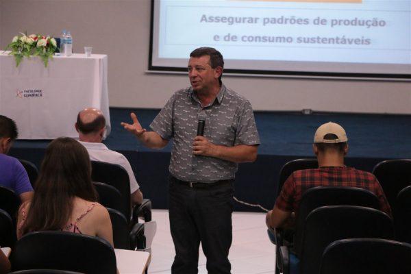 Acadêmicos das áreas de saúde da Guairacá se preparam para o Enade