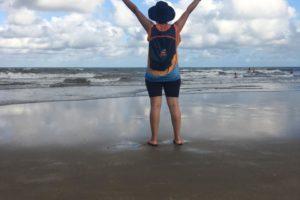 Egressa de Pedagogia da Guairacá participa de mais uma missão no litoral