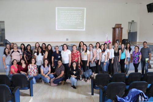 Docente da Guairacá ministra formação para professores do Candói