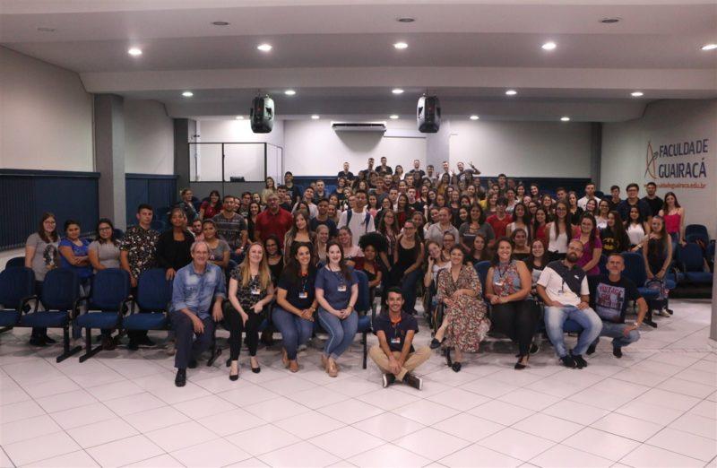 Recepção na Guairacá apresenta serviços de atendimento ao aluno