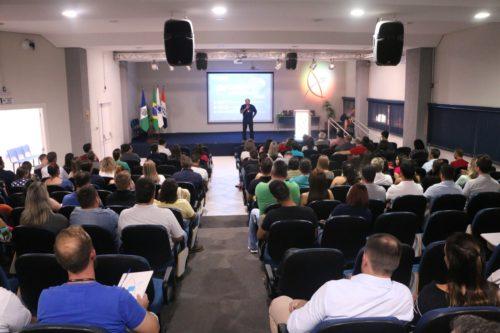 Docentes participam da Semana Pedagógica na Faculdade Guairacá