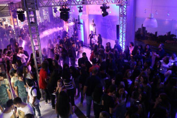 Volta às aulas: Faculdade Guairacá recebe alunos em grande comemoração