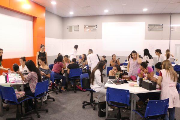 Diversas atividades marcam o Dia da Mulher na Faculdade Guairacá
