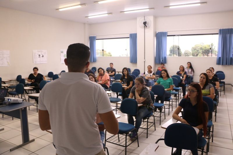 Colaboradores da Faculdade Guairacá recebem orientações para prevenção ao COVID-19