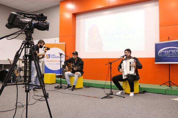 Live Encanta UniGuairacá arrecada mais de uma tonelada de doações