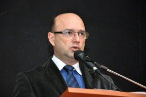 Prática odontológica em tempos de pandemia, por Wolnei Luiz Centenaro