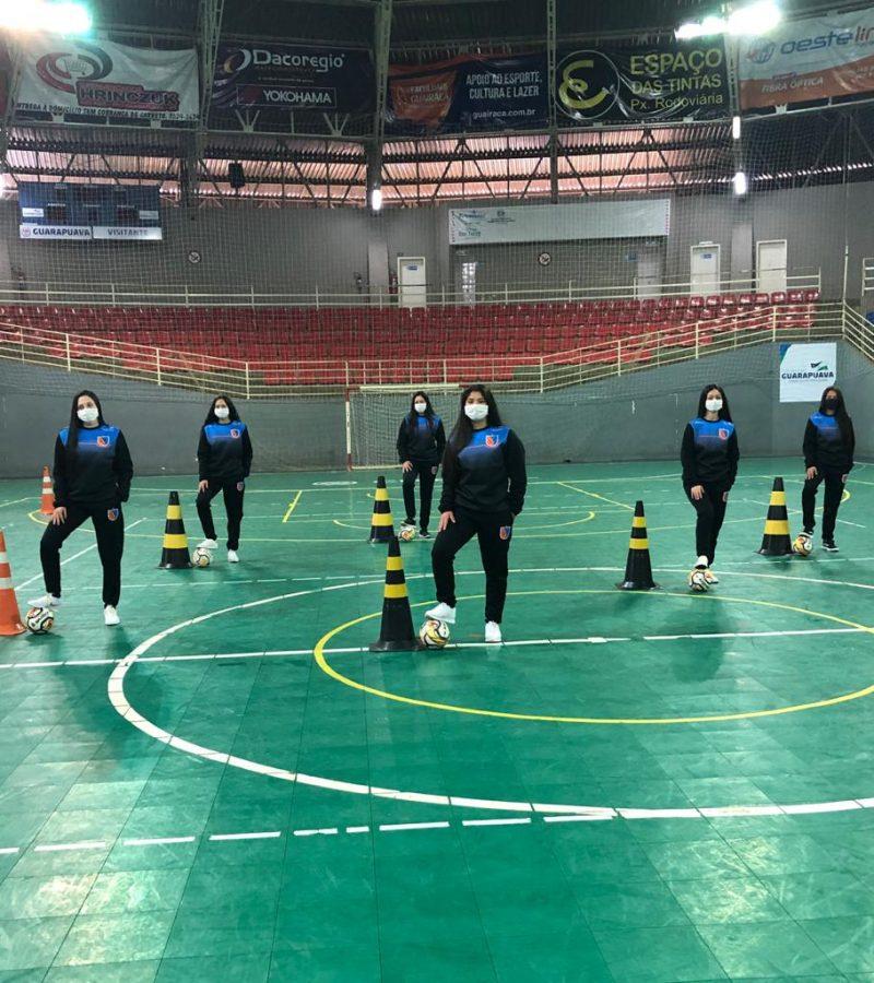 Seguindo medidas de segurança, futsal feminino da UniGuairacá retoma treinamentos