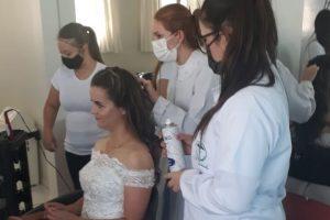 Estética da UniGuairacá proporciona dia de beleza para noivas