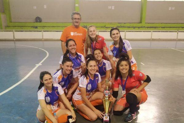 Equipe de futsal feminino da UniGuairacá é campeã na 8ª Copa Verão de Guarapuava