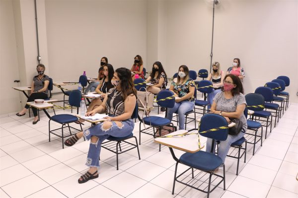 UniGuairacá sedia capacitação para novos voluntários do projeto GSV